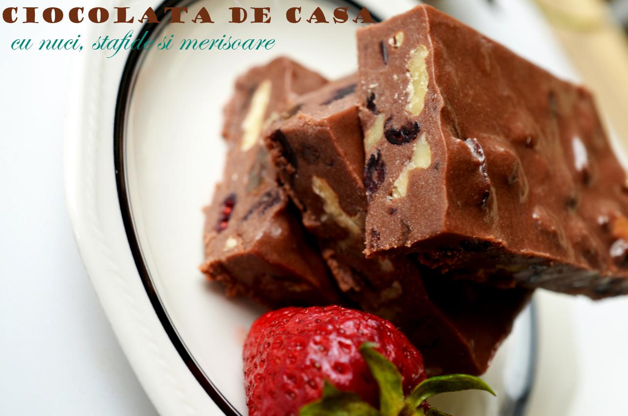 Ciocolata de casa cu nuci stafide si merisoare retete for Ciocolata de casa reteta clasica