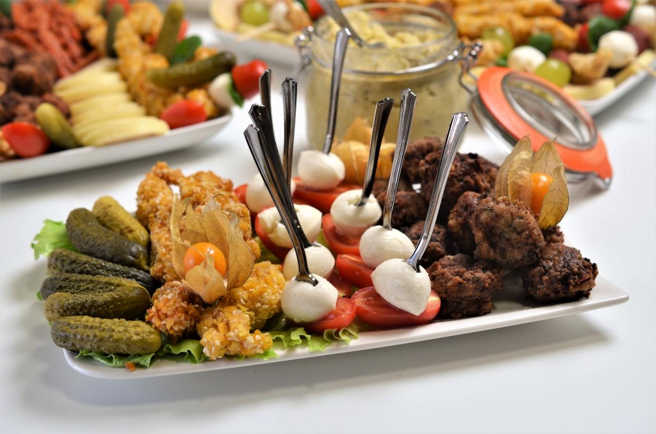 platouri de aperitive reci