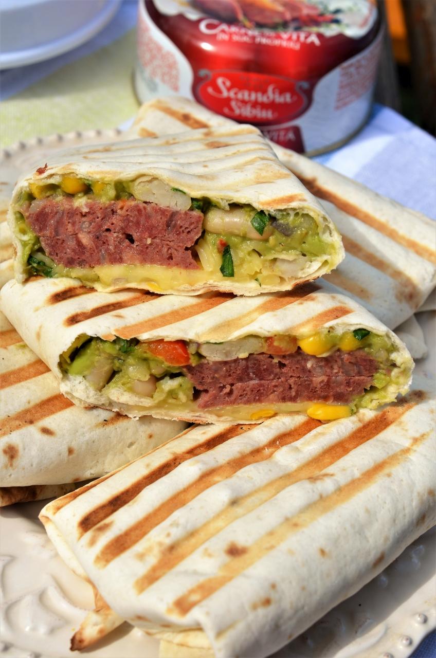 burrito mexican cu carne de vita