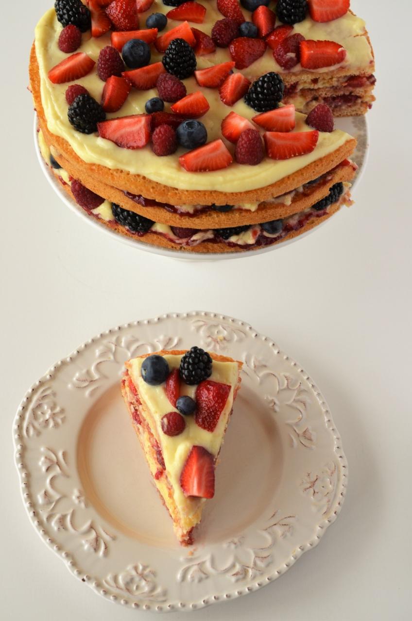 tort de vara tort cu vanilie si fructe