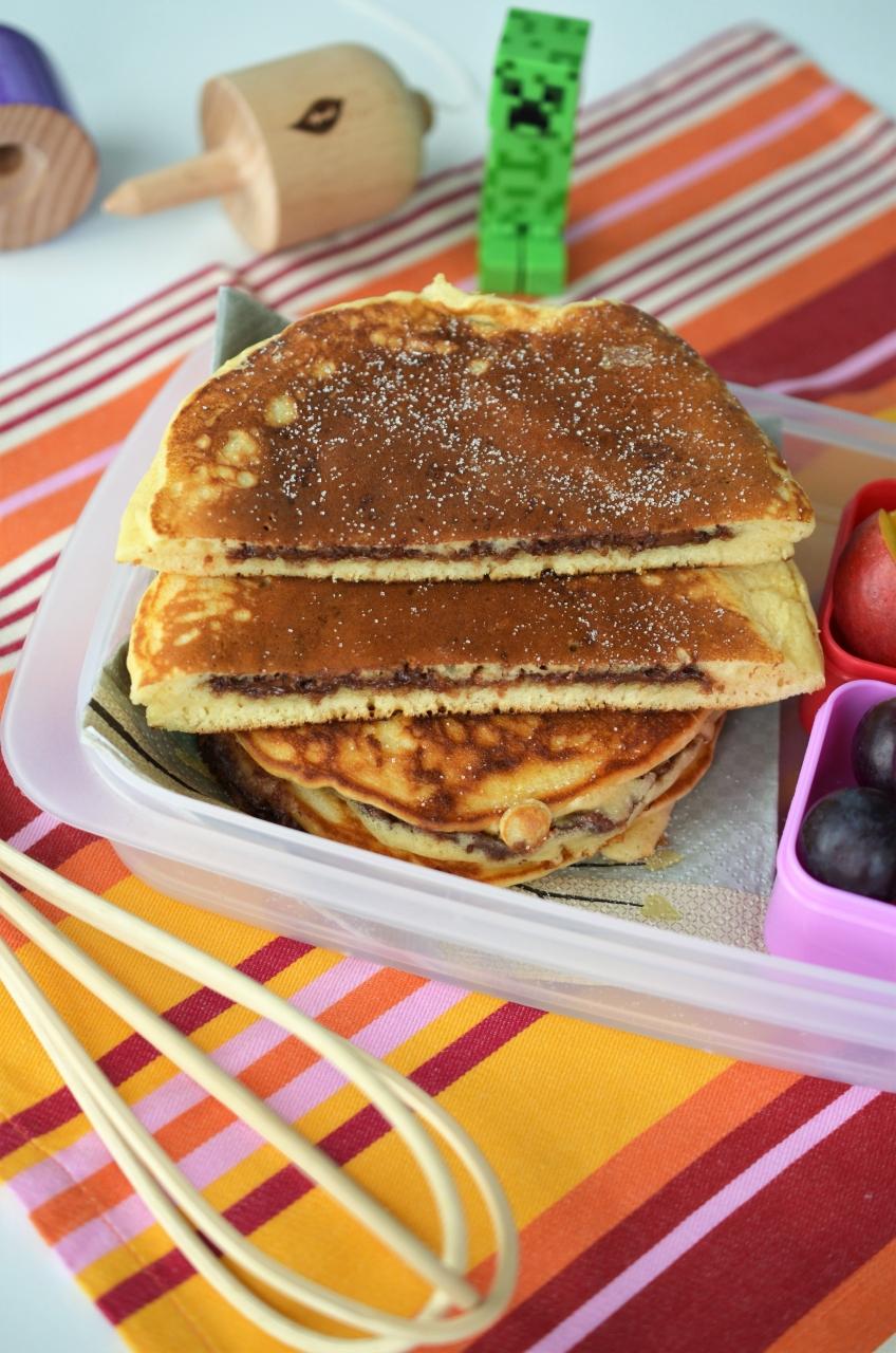 pancakes umplute cu ciocolata