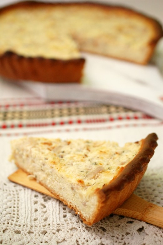 Tarta cu crema de branza si ceapa