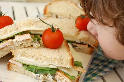 Luca si sandwich-ul