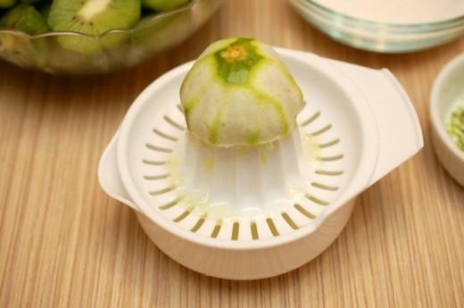 Preparare inghetata de kiwi cu lime