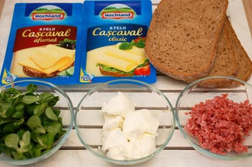 Ingrediente sandwich rulou cu cascaval felii