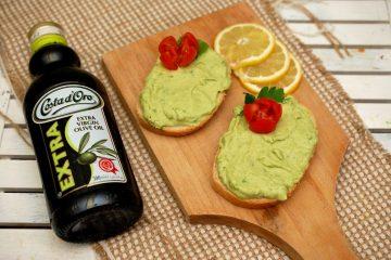 Pasta de avocado cu ulei de masline
