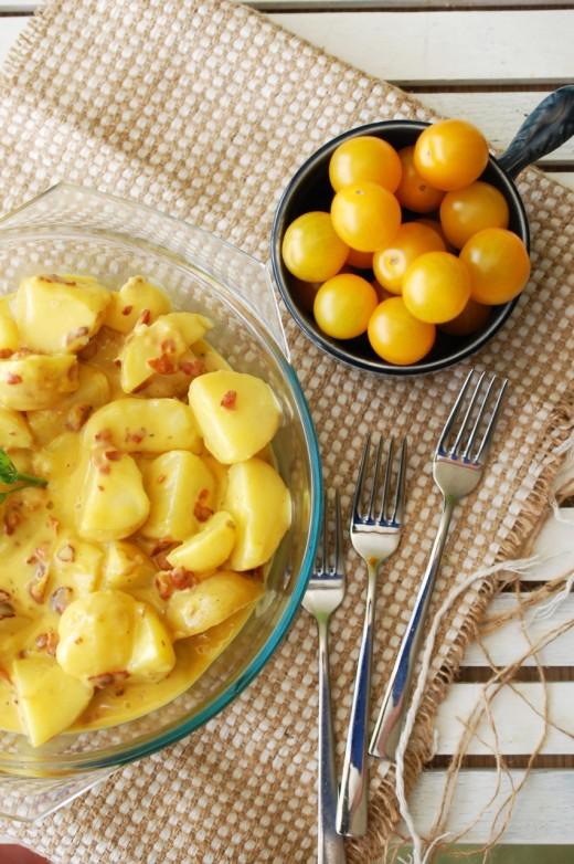 cartofi-noi-cu-sos-carbonara-2