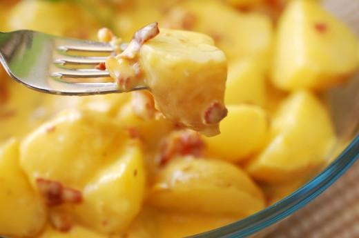 cartofi-noi-cu-sos-carbonara-3