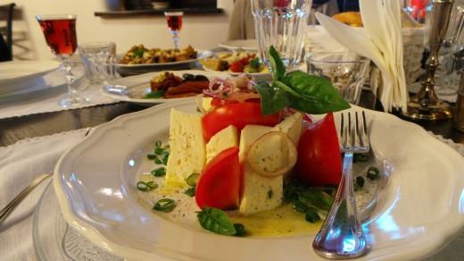 Salata cu branza si rosii