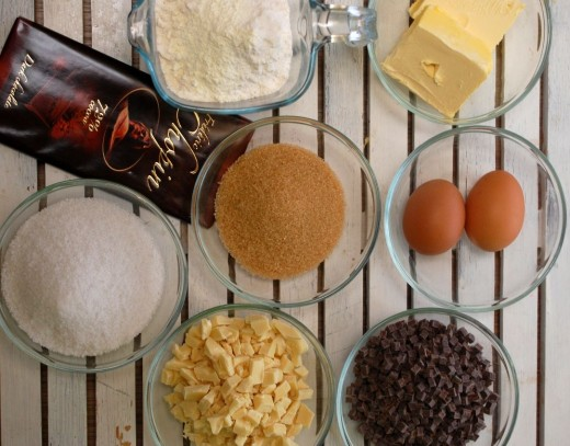 Ingrediente Biscuiti cu 3 feluri de ciocolata