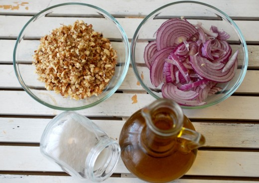 Ingrediente paine de casa cu ceapa si nuci