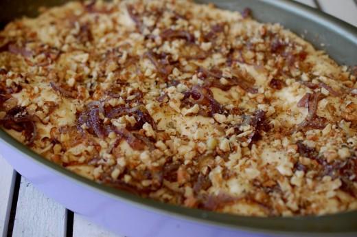 Preparare paine de casa cu ceapa si nuci
