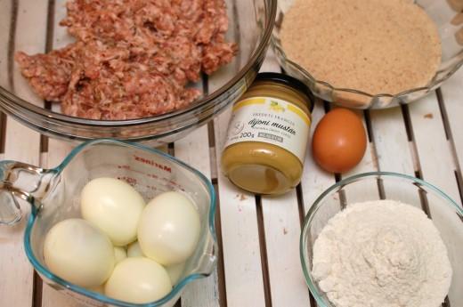 scotche eggs oua fierte invelite in carne tocata