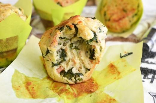 muffins sarate cu somon si spanac