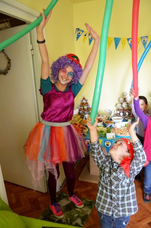 petrecere minioni