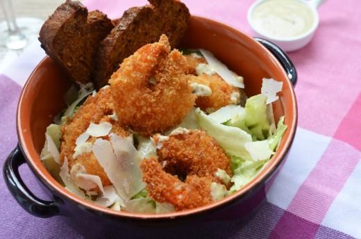 salata caesar cu creveti