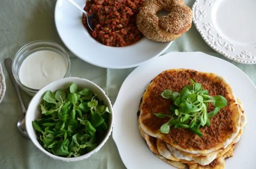 lahmacun pizza turceasca