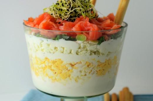 salata de oua cu telemea si somon