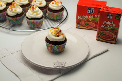 cupcakes cu rosii