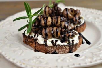 crostini cu ciuperci