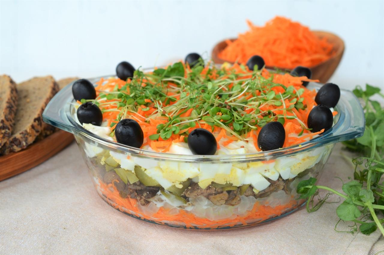 salata aperitiv cu ficatei