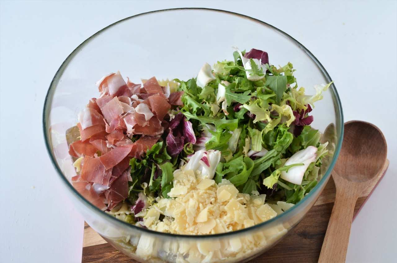 salata primavera cu paste