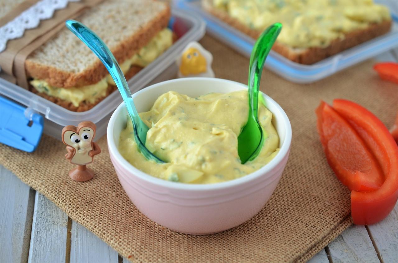 salata de oua cu iaurt