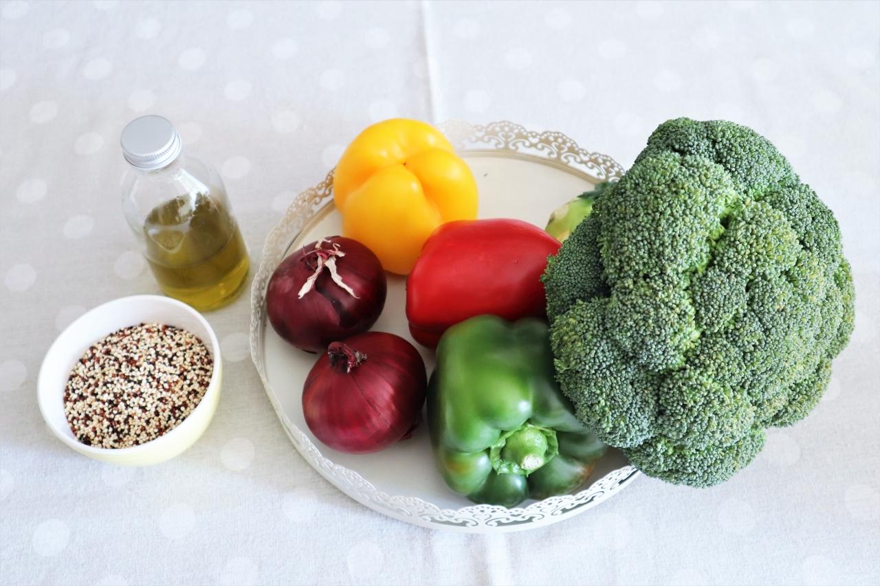 salata de quinoa cu legume coapte