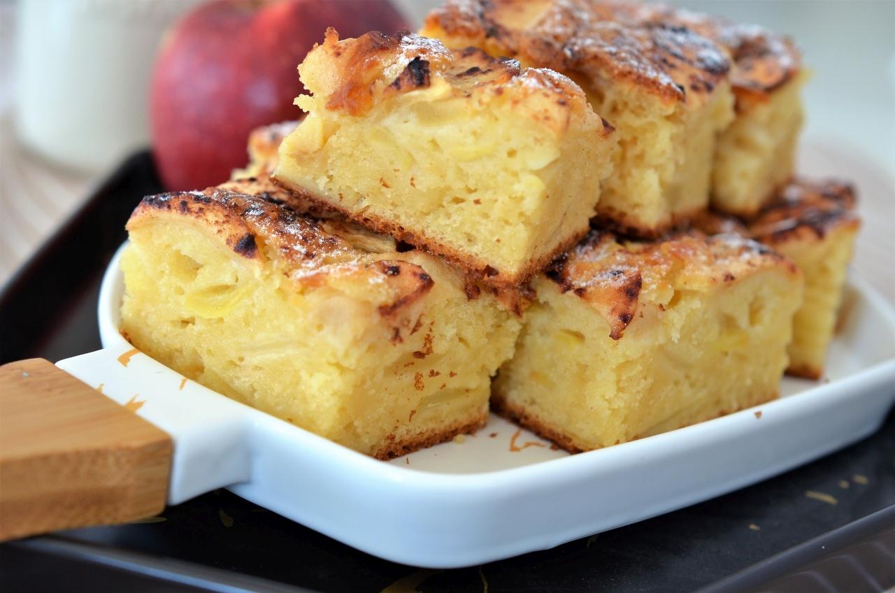 prajitura cu mere si lapte batut