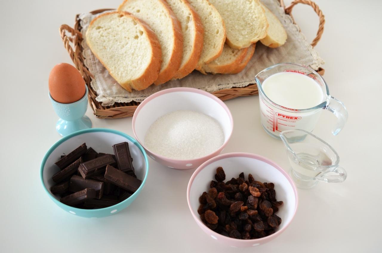 prajitura cu paine si ciocolata