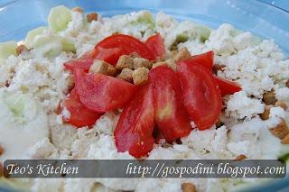 Salata cu pui si dressing de iaurt