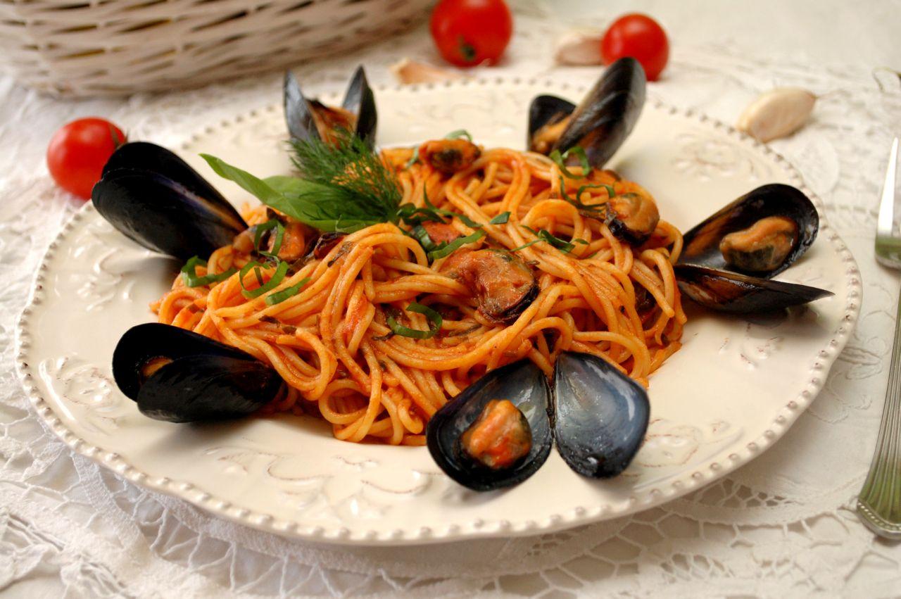 Spaghetti cu midii (Spaghetti alle cozze)